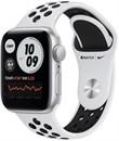 Apple Watch SE Nike 44mm корпус из алюминия серебристого цвета, спортивный ремешок Nike цвета «Чистая платина/чёрный»